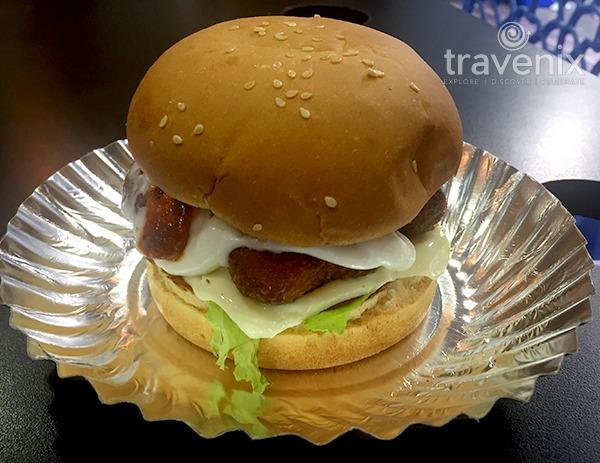 corn-cheese-nugget-burger-matunga-mumbai