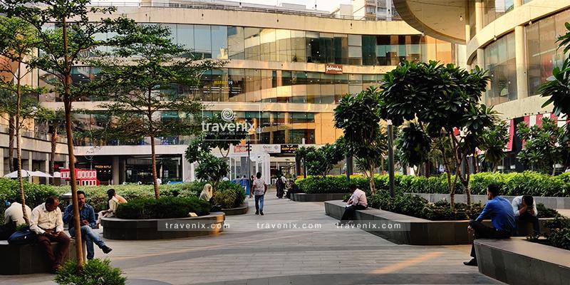 R City Mall Building