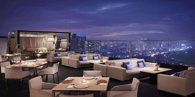 10 Must Visit Places With Rooftop Dining In Mumbai For