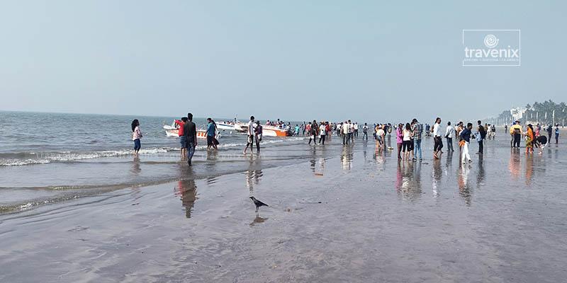 Juhu Beach Crowd