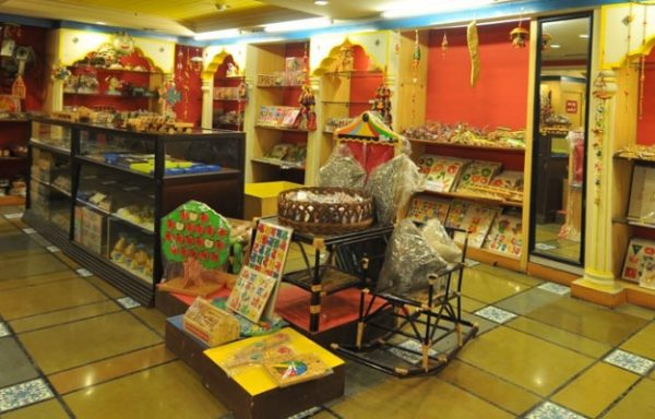 8 Best Indian Handicraft Stores In Mumbai For Authentic Crafted Products