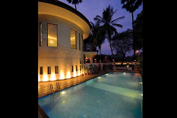 Learn swimming in mumbai kandivali