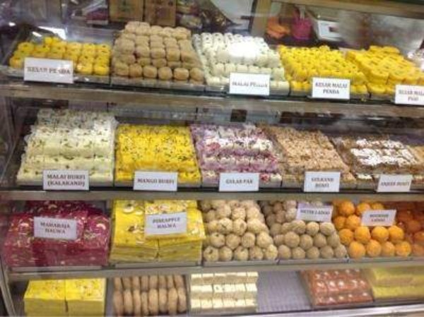 4 Best Places To Buy Bengali Sweets In Mumbai