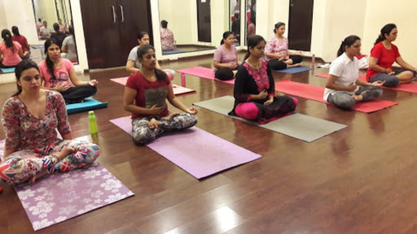 8 Best Yoga Classes In Navi Mumbai For Mental And Physical Fitness