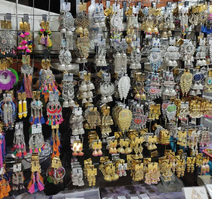Colaba Causeway Shopping 3 days in Mumbai