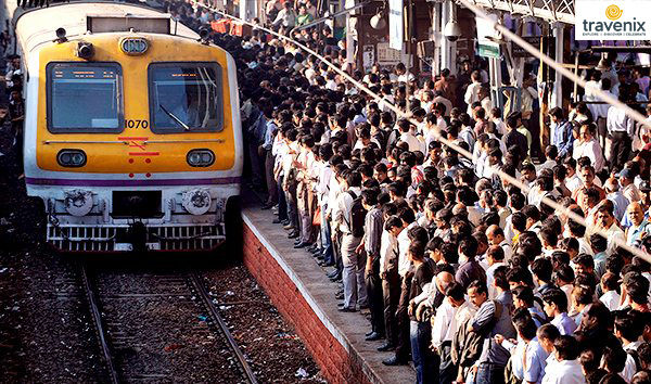 mumbai_local_train_street