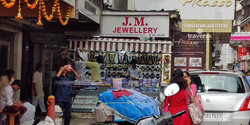 Zaveri Bazar Jewelery Display