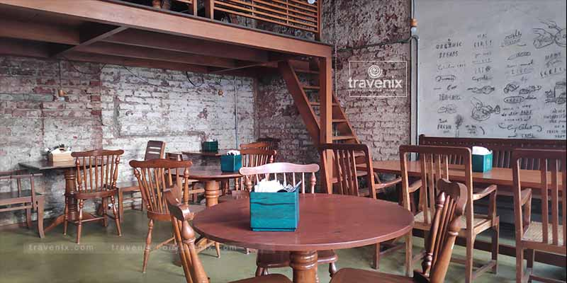 Birdsong Organic Cafe Seating