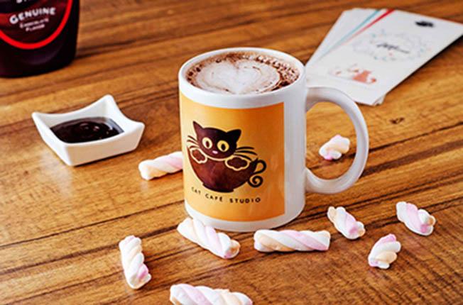 Hot Chocolate at Cat Cafe Studio, Mumbai - Dineout