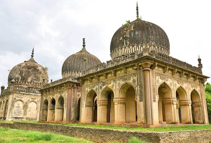 Qutub Shahi Tombs - CNN