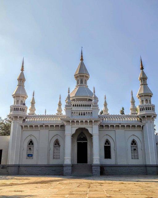 Jam e Masjid Aiwan-E-Begumpet